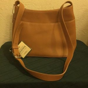 St John's Bay Tan Leather zip Purse. NEW with Tags